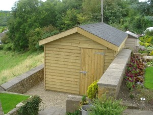 Large_shed_in_feather_edge_cladding