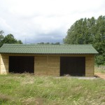 Field_shelter_with_two_openings_and_overhang